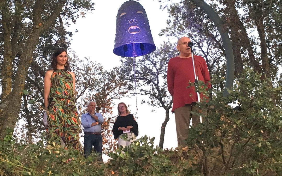 Benvinguda a Dongda, La Gran Campana d'Evru a la Vinya dels Artistes