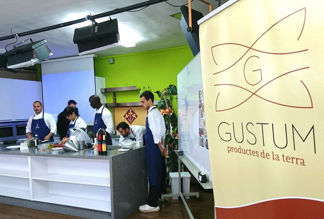 Gustum promociona el producte local entre els futurs hostalers